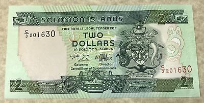Solomon Islands 1997 $2 Dollars Banknote P-18 with Green Sea Turtles in Crest