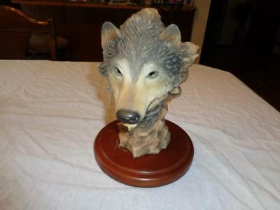 "MILL CREEK STUDIOS ""BEFORE THE CHASE""  WOLF Sculpture by Randall Reading"