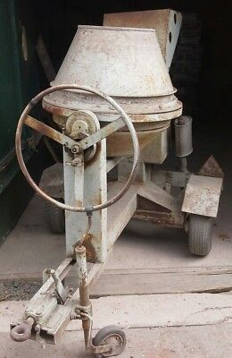 Commodore baromix large site diesel cement mixer lister engine silenced, towable