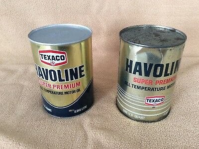 Two vintage full quart cans of Texaco oil in good condition