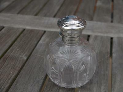 Super Attractive Antique Hm 1912 Sterling Silver Topped Cut Glass Scent Bottle