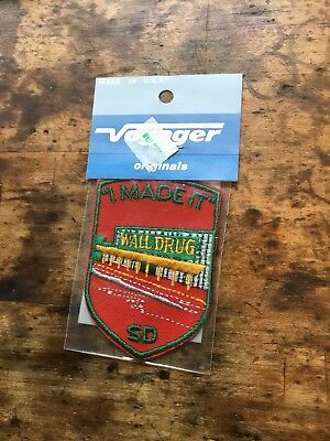 Vintage Embroidered Patch Badge Souvenir Travel Voyager I Made It Wall Drug SD