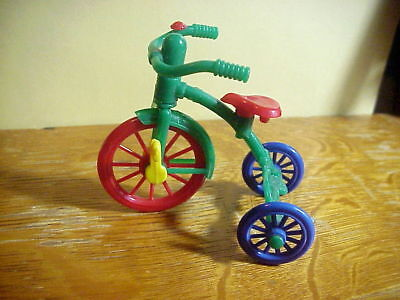 IDEAL Made in U.S.A. Vintage DOLLHOUSE Hard Plastic TRICYCLE