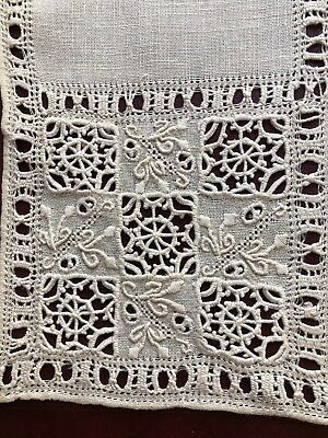 Vintage small Italian square centerpiece handmade drawnwork needle lace cutwork