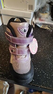 Girls winter boots New job lot