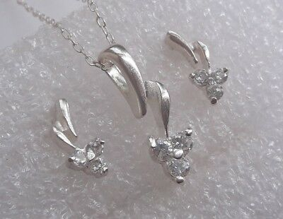 Lovely Set Solid Sterling Silver Pendant On Chain Earrings Sparkly Clear Stones