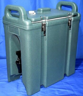 NEW CAMBRO 2.5 Gallons Insulated Hot Cold Catering Beverage Dispenser ~ GRGRN