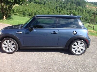2010 Mini Cooper S Leather 2nd Lady Owner , Like New inside and out ,accident free , garage kept MINI