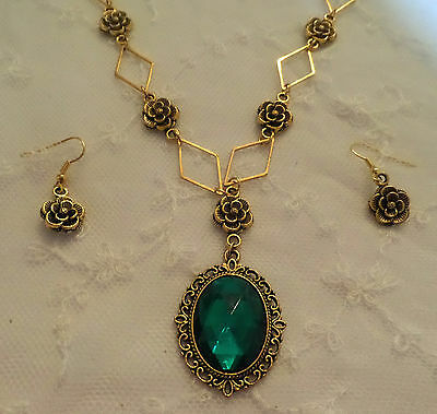 Victorian Style- Diamond Rose - Emerald Green Crystal Gold Plated Necklace Set