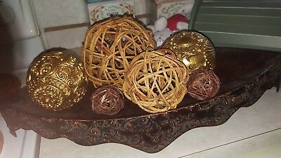 Decorative oblong bowl with 6  decorative balls