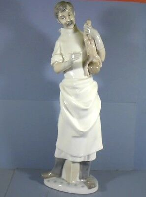 "14"" Figurine, Baby Doctor, Obstetrician, By Lladro, Spain"