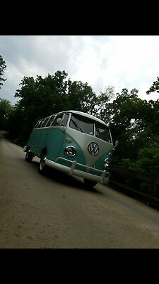 1968 Volkswagen Bus/Vanagon  1968 Split Window VW Bus