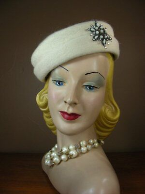 Vintage 60s Ivory Mohair Bumper Toque Hat w Jeweled Medallion Favorette H7