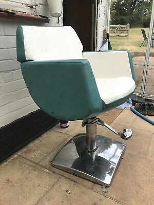 Vintage Retro 1960s Barbers Salon Shop Hairdressing Chair