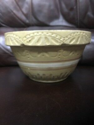 """R.r.p.co.roseville Ohio #391 Yellow Ware 9 1/4"""" Nesting Mixing Bowl Pink & White"""