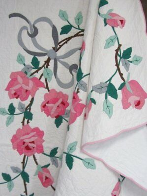 Gorgeous Cottage c 30s Roses APPLIQUE Quilt Vintage Scallops