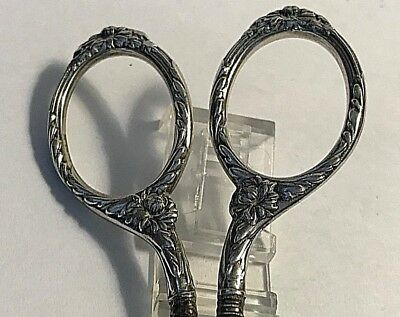 Antique Chrysanthemums Gorham Sterling Silver Embroidery Sewing Scissors #388