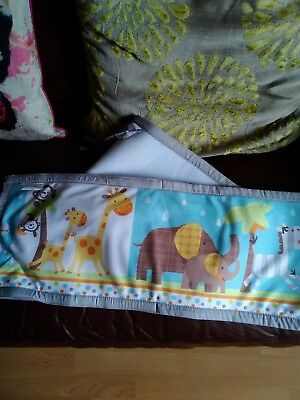 Breathable mesh baby cot bumper used for display only