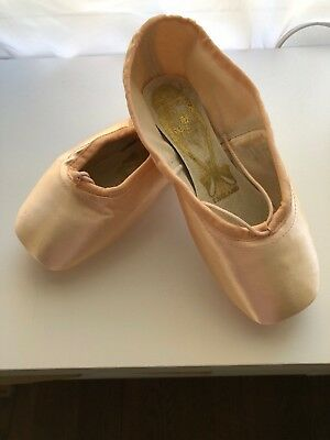 "Freed pointe shoes 4.5 X ""A"" maker DV wing"