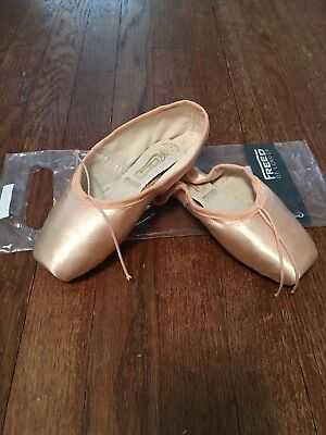 "Freed pointe shoes 4.5 X ""Clef"" maker DV wing"