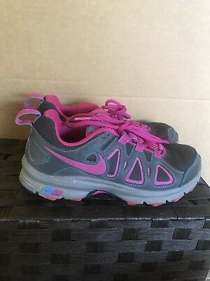 b51f7f63f55 Nike Air Alvord 10 Womens Running Shoes Athletic Gym Gray Pink Size 6  Excellent
