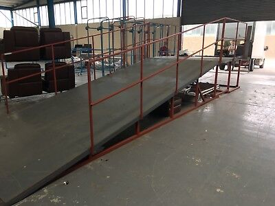 CONTAINER UNLOADING RAMP Warehousing Forklift Truck  IN MINT CONDITION