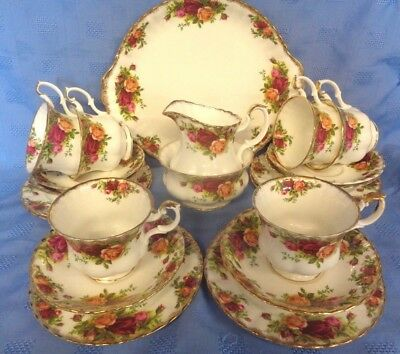 STUNNING ROYAL ALBERT  OLD COUNTRY ROSES 21 pc TEA SET. ENGLAND 1st  QUALITY