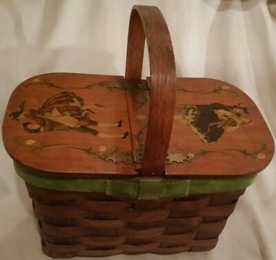 Berry/egg gather Basket 11.5x7x11.5 Wooden w/Velvet Trim Hinged Art Lid Antique