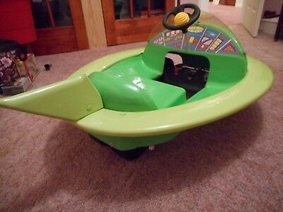 """Super Rare Vintage Jetsons Space Ship Full Size 46"""" X 32"""" Battery Power Car Look"""