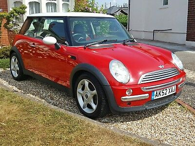 2002 Mini Cooper 1.6 ..half Leather.......alloys......new Mot June 2019..