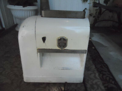 Steakmaker Model 200 Meat Tenderizer, Made By Federal Engineering Co, Runs Well