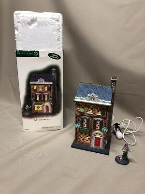 Retired Department 56 'Kelly's Irish Crafts' Set of 2 2005 Christmas in the City