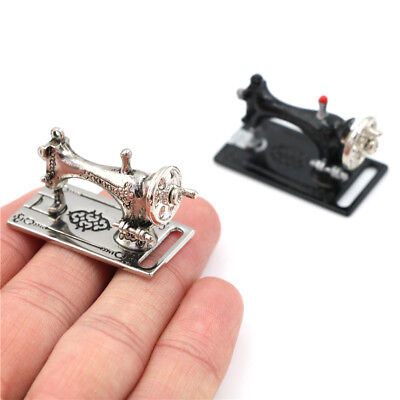 Metal Sewing Machine Dollhouse Miniatures Decoration 1:12 Scale Length 3.5cmuy