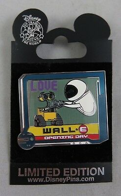 Disney Disneyland DLR Pin - Wall-E Opening Day - Wall-E and Eve / Love
