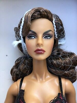 """""""Vamp"""" Baroness Agnes Von Weiss Close-Up Doll Fashion Royalty Boudoir - NRFB"""