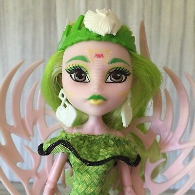 Monster High BATSY CLARO Brand Boo Students  Doll Clothes Displayed OOAK Play