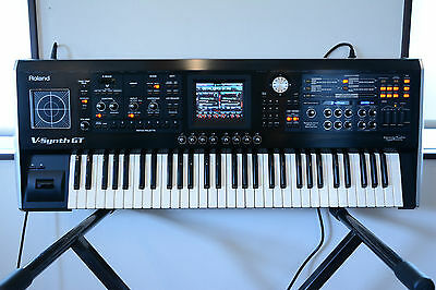 roland v synth gt version 1 02 61key synthesizer cosm 1 750 00 rh picclick com Roland Gaia Roland V-Synth Review
