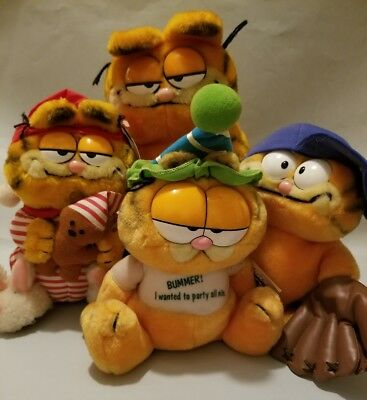 Lot of 4 GARFIELD Plush  Vintage