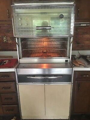 1960's Vintage Fridigiare Flair Custom Deluxe Stove / oven