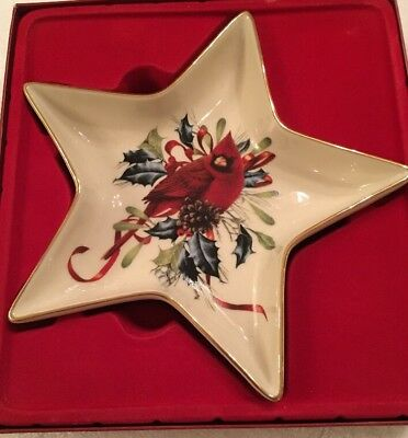 Lenox winter greetings cardinal star candy dish 875 picclick lenox winter greetings cardinal star candy dish m4hsunfo