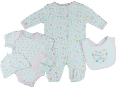 Baby 5 Piece Layette Clothing Set In a Net Bag Gift Set 0//3-3//6 Months Bear