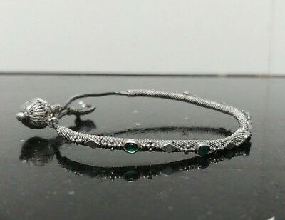 Antique Made 18th Century Silver Woman Bracelet with 6 Emeralds Stone from Yemen