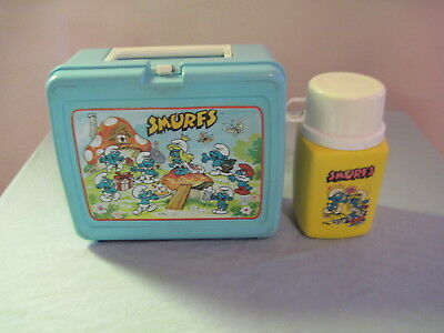 Vintage Plastic BLUE SMURFS LUNCHBOX WITH THERMOS