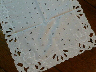 VINTAGE WHITE EYELET EMBROIDERED Rose Cutwork TABLE RUNNER OR BUREAU SCARF