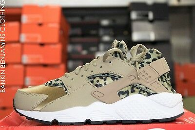 58aa28dc85df6 WOMENS NIKE AIR Huarache Run Print Sz 5.5 Khaki Black Leopard 725076 ...