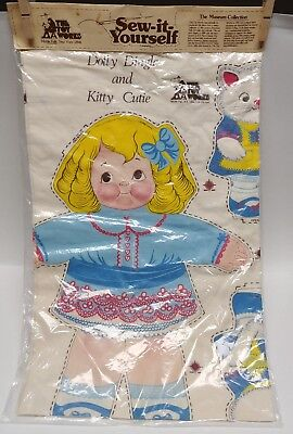 """Vtg The Toy Works Sew-It-Yourself """"Dolly Dingle and Kitty Cutie"""" Pillow Panel"""