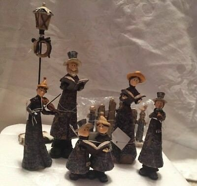 Bright Ideas Christmas Carolers HA032. 5 figurines, fence and light post. NWT