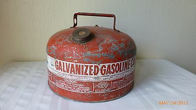 Vintage Eagle Galvanized Gas Can Model SP 2 1/2 Man Cave Collectible Rusty Red