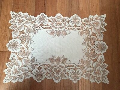 Lace Placemats 6 Cream