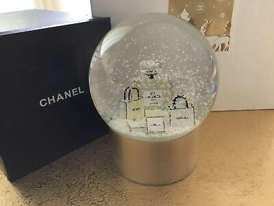 Hübsche Chanel Schneekugel, Boule de neige, Chanel snow globe, Flakon- Optik